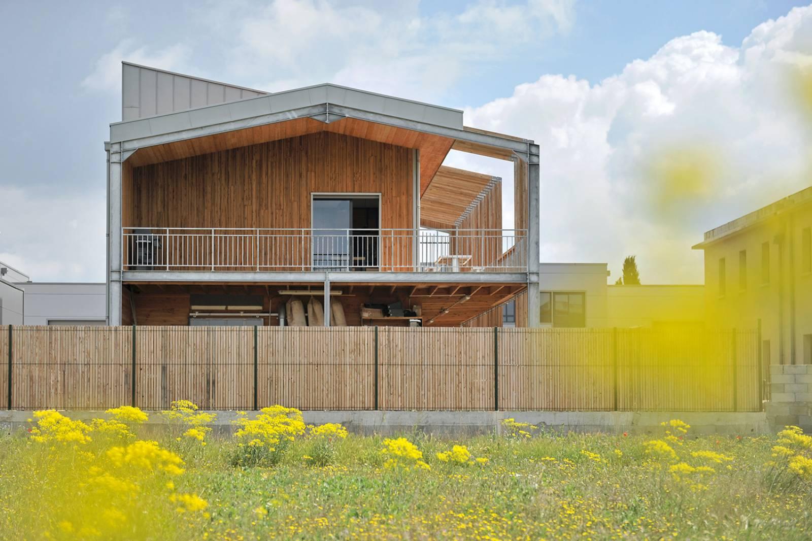 Construction d 39 une maison d 39 architecte contemporaine en for Architecte maison bois