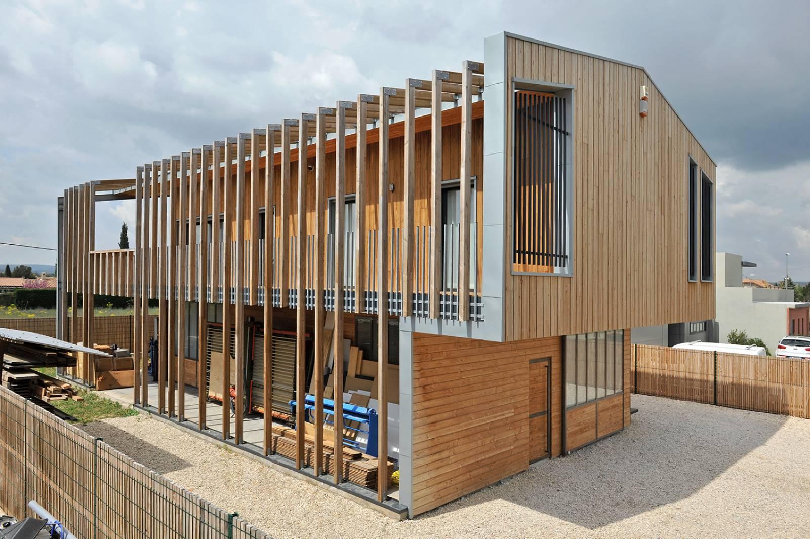 Construction d 39 une maison d 39 architecte contemporaine en bois a aix en provence atelier d - Faire construire une maison d architecte ...