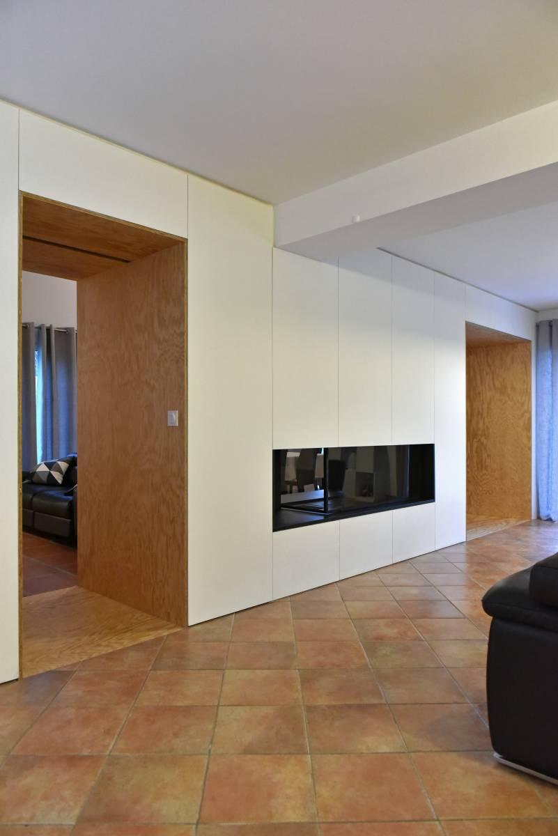 cr ation d 39 une chemin e double foyer et am nagement int rieur marseille atelier d. Black Bedroom Furniture Sets. Home Design Ideas