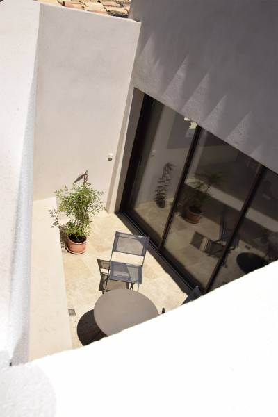 renovation d 39 une maison et transformation de son garage en. Black Bedroom Furniture Sets. Home Design Ideas